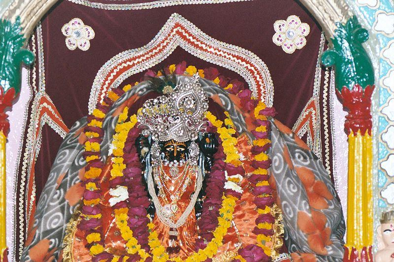 800px-god_keshav_dev_at_keshav_dev_temple.JPG