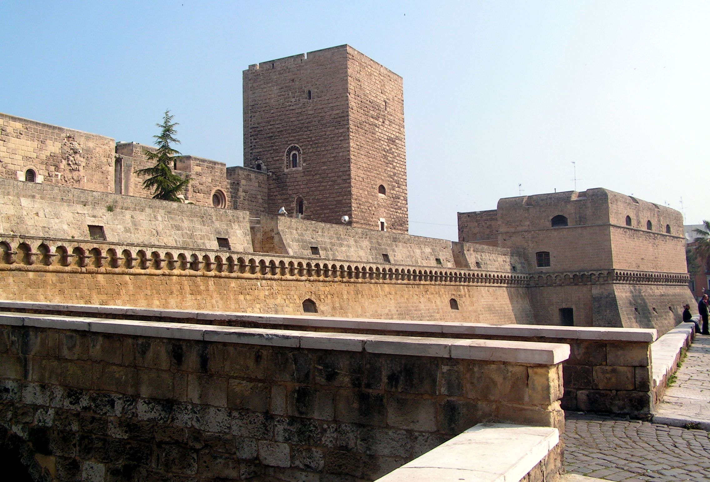 bari_castello_view.jpg