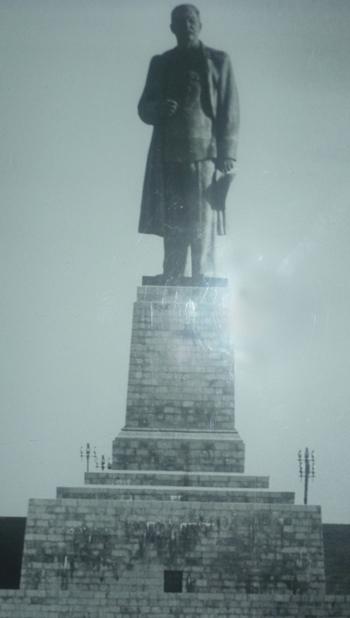 joseph-stalin-statue.jpg