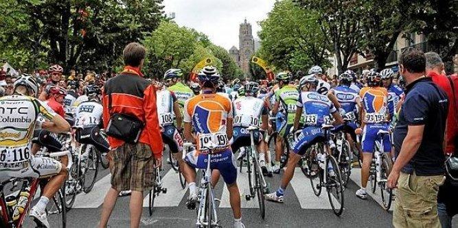 le-dernier-passage-du-tour-de-france-a-rodez-date-de-2010_993477_667x333.jpg