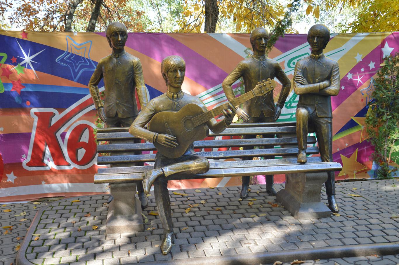 the_beatles_statue.jpg