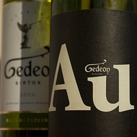 Két Gedeon bor
