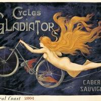 Pucér nő szárnyas biciklivel
