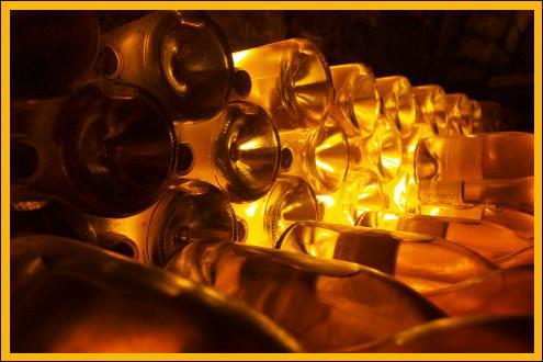 Palackok a Dobogó pincében