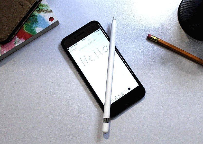 apple-pencil-on-iphone.jpg