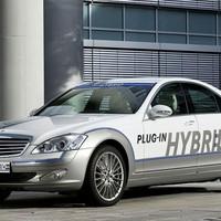 Breaking news! A Mercedes-Benz hibridje is feltűnik Frankfurtban