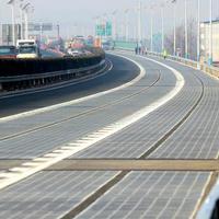 Elektromos autókat tölt fel a kínai napelemes autópálya