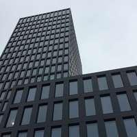 Naperőművet építettek egy bázeli toronyház teljes homlokzatára