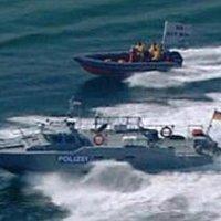 A Greenpeace behajózott a tiltott zónába