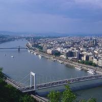 Két Duna keringő