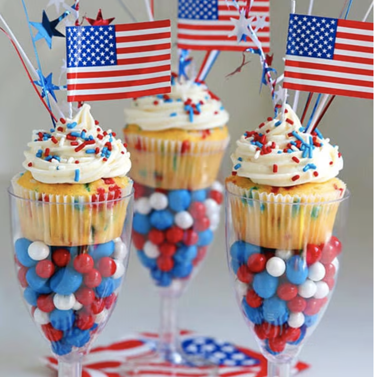 4th-of-july-cupcakes-funfetti-1620940849.png
