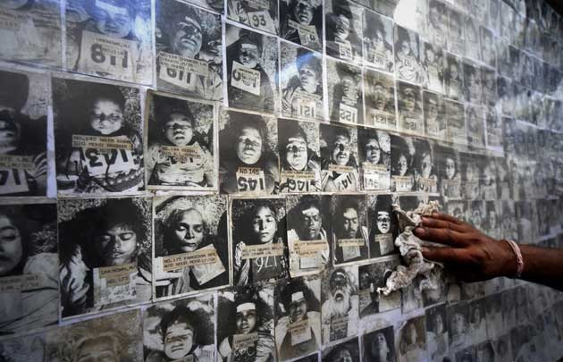 bhopalgastraegedy_victimss_1.jpg