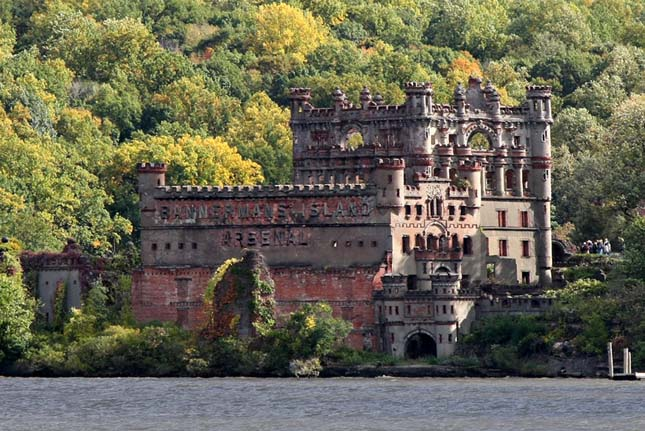 Bannerman-Castle2.jpg
