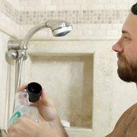Új szintre lépett a zuhanyzás közbeni fogmosás