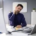 5 kegyetlen betegség, amit a helytelen ülés okoz