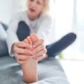 Neked is görbén állnak a lábujjaid?