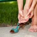 Görbén állnak a lábujjaid? Így egyenesítheted ki őket!