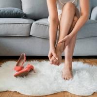 3 fő ok, amitől kialakul a ferde lábujj és a bütyök