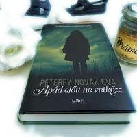 Péterfy-Novák Éva: Apád előtt ne vetkőzz