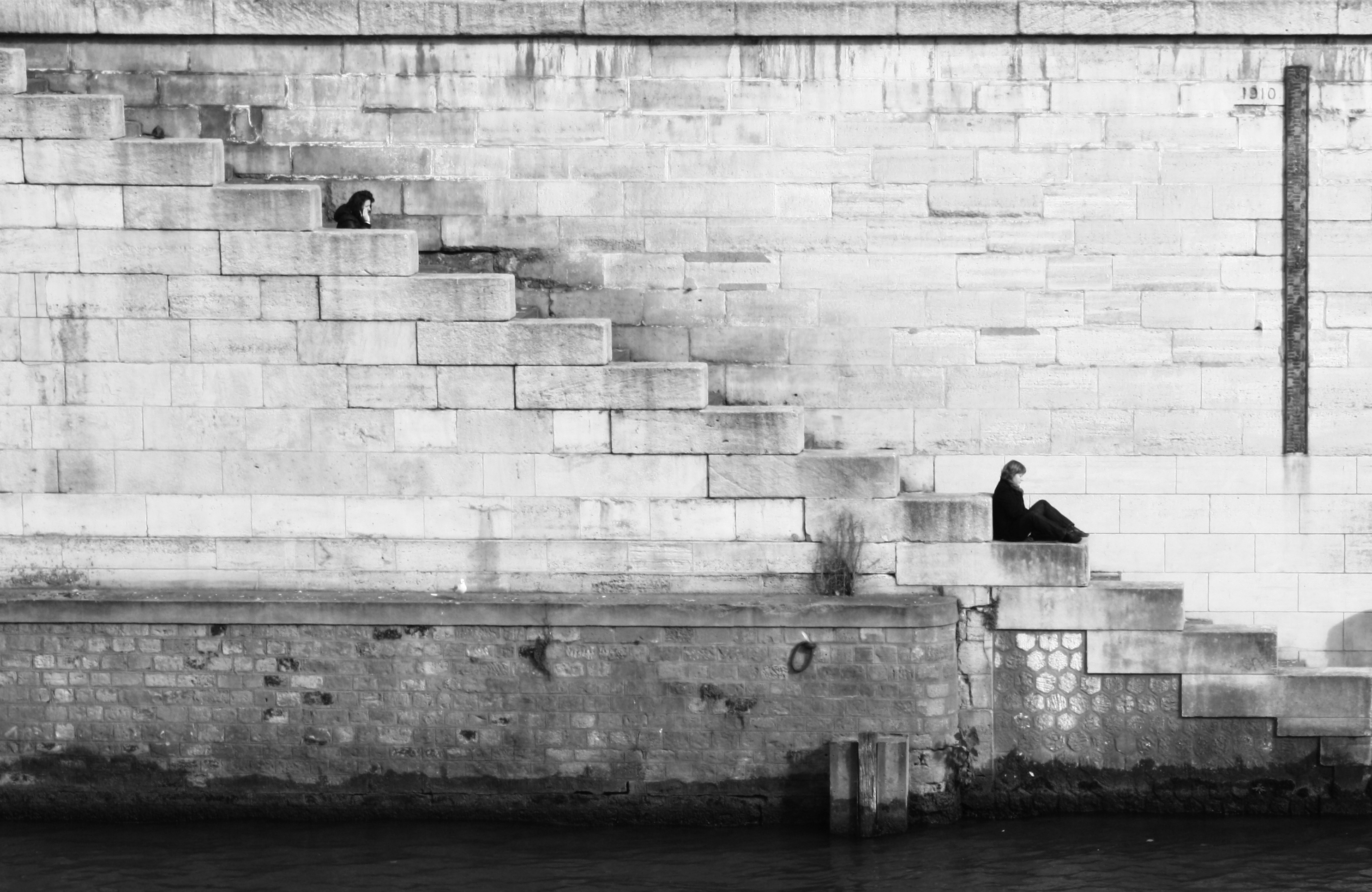 stairs-black-and-white-water-wall.jpg