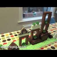 Játszható Angry Birds torta, avagy: Marcipánfigura = NEM MENŐ
