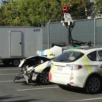 Összetört egy Google autó