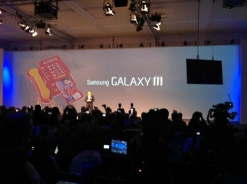 galaxy3unpackedmock_1.jpg