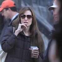 Lefotóztuk rendezés közben Angelina Joliet