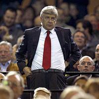 Arsenal: az elnök szerint nincs veszélyben Arsene Wenger állása