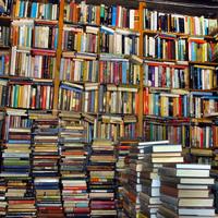 Könyvcímek angolul és magyarul