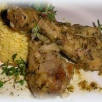 Kakukkfüves-majoránnás csirkecomb