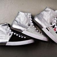 Kétéltű Puma cipők