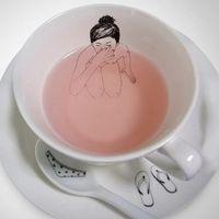 Meztelen teáskészlet