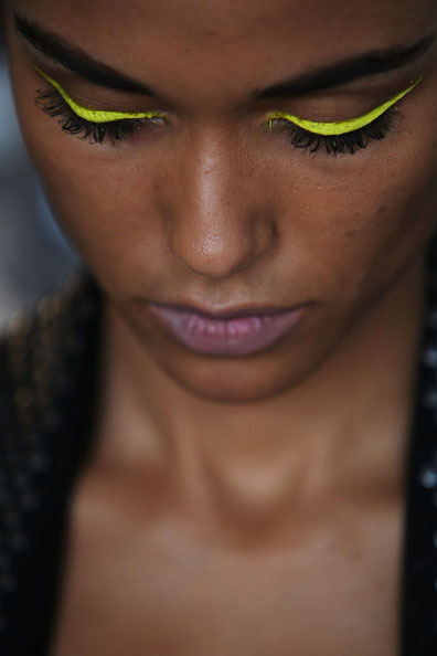 makeupforlife.net-neon.jpg