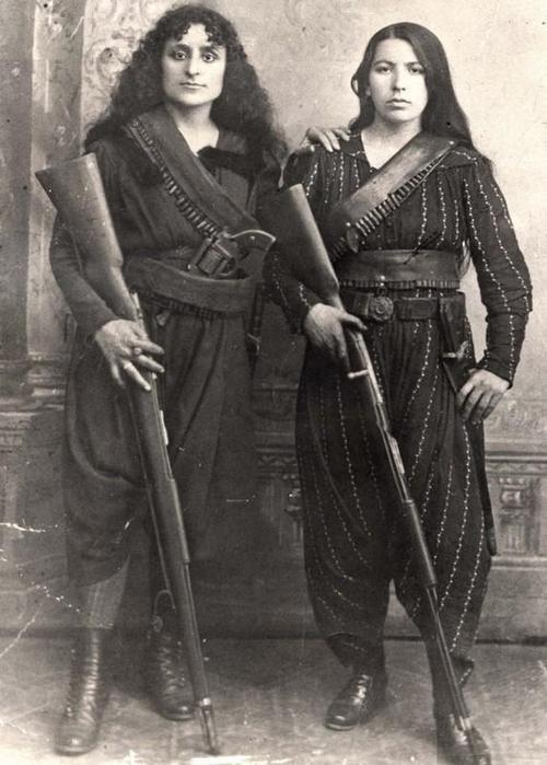 ormenyharcosnok1915-bol.jpg