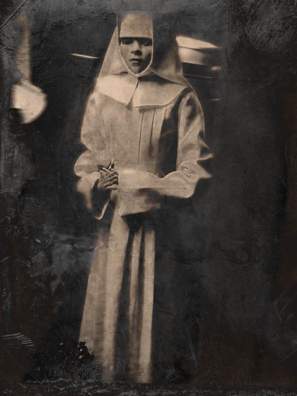 Apáca egy keszthelyi kiállításról