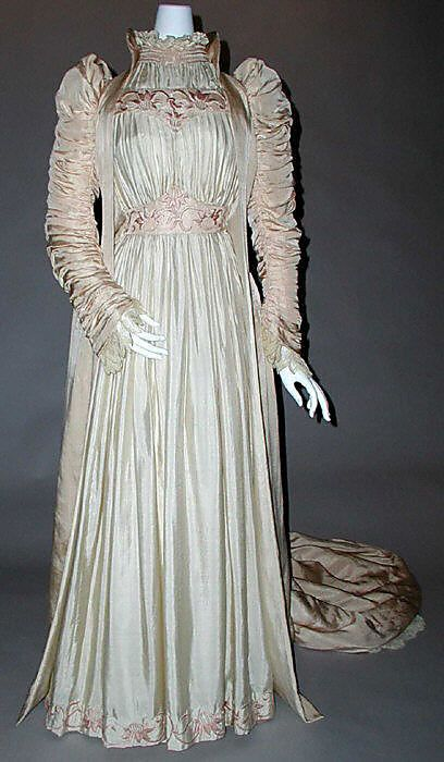 ruched_silk_artistic_dress_by_liberty_of_london_british_1891_label_liberty_coartistic.jpg
