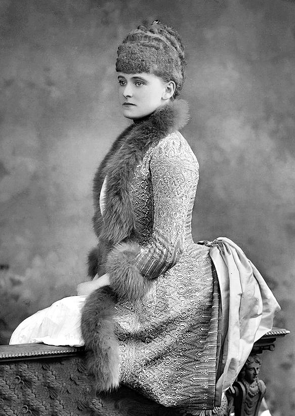 _daisy_greville_frances_evelyn_maynard_countess_of_warwick_1889.jpg