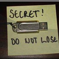 Évi 22 ezer elvesztett USB kulcs