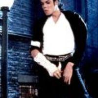 Michael Jackson holtában sem pihen