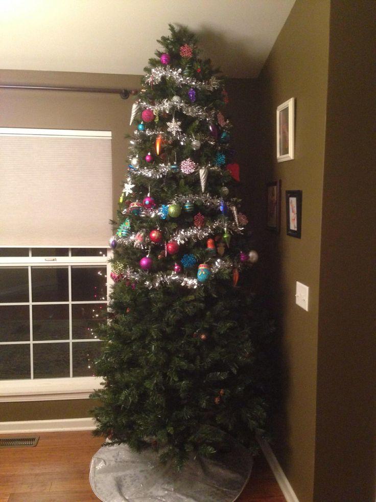 Ne tegyünk semmit oda, ahol a kicsi eléri. :)<br />Forrás: http://celfan.com/album/christmas-tree-with-a-toddler.html