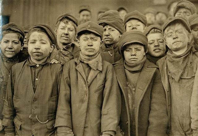 bányászgyerekek.jpg