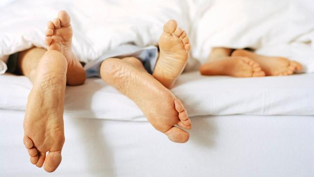 egy ágyban.jpg