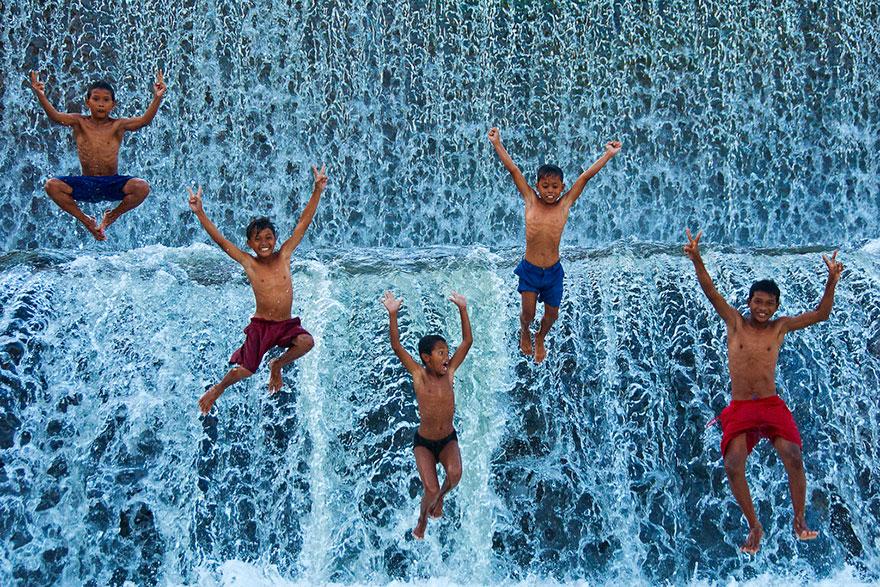 indonézia_fürdés.jpg