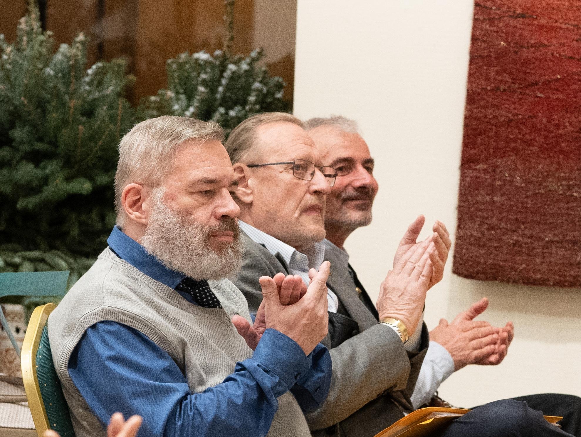A könyvbemutató közönségében (balról jobbra) Balázsi József Attila, Oláh István és Ambrus Károly<br /><br />TINTA Könyvkiadó archívuma