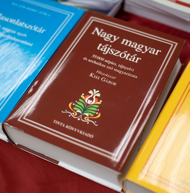 A 2019-es év sikerkönyve: a Nagy magyar tájszótár<br /><br />TINTA Könyvkiadó archívuma