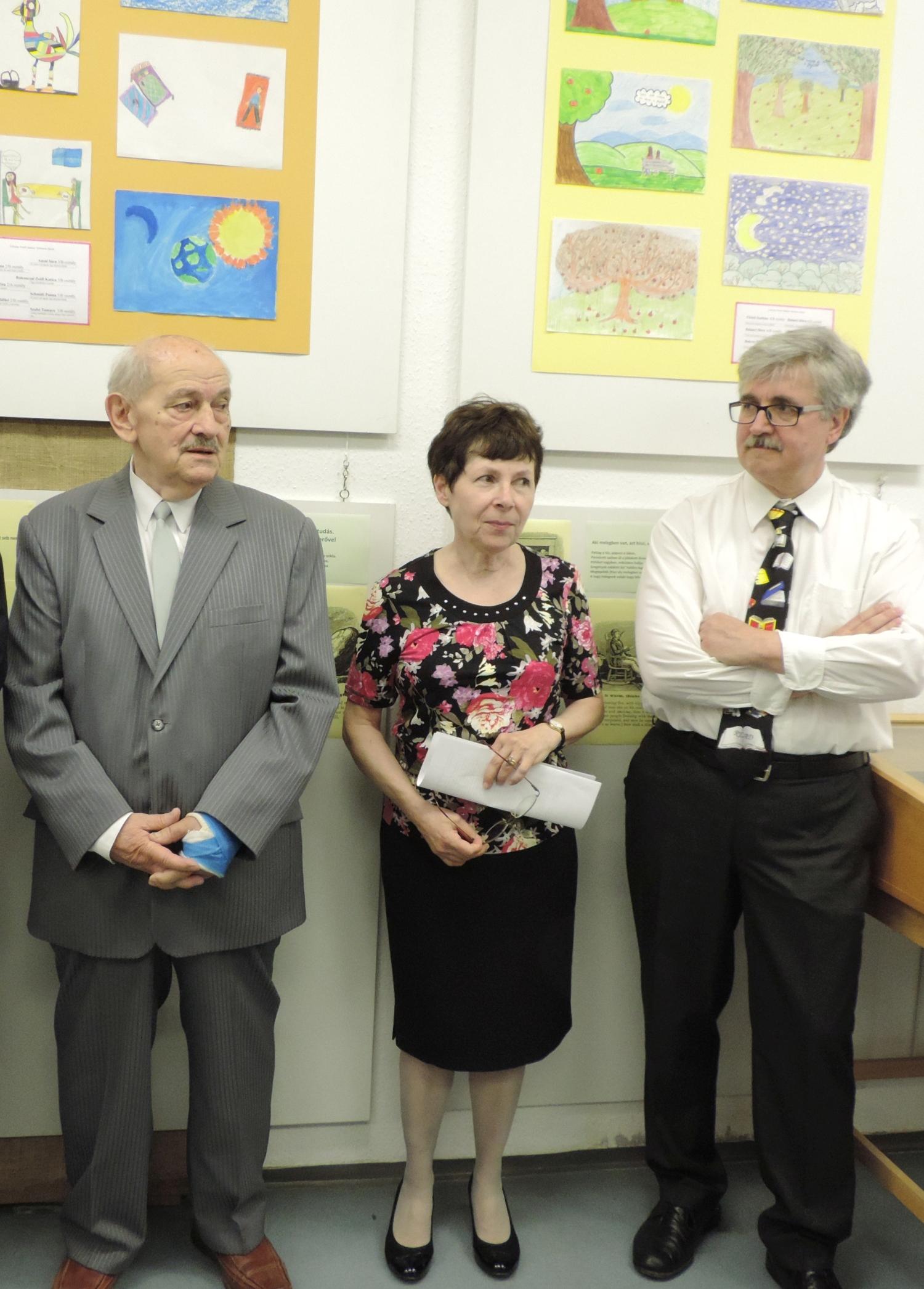 Beleznay Andor igazgató, Fábián Zsuzsa lexikográfus-nyelvész, Kiss Gábor, a kiállítás rendezője