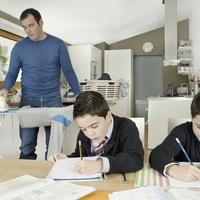 Hol hibázta el ANYA, ha Apa nem segít a háztartásban? avagy töketlen-e a Férfi, ha házimunkát végez?