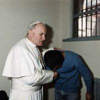 A pap, aki II. János Pál életére tört