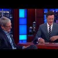 Tim Cook a Late Show-ban viccelődött Stephen Colberttel